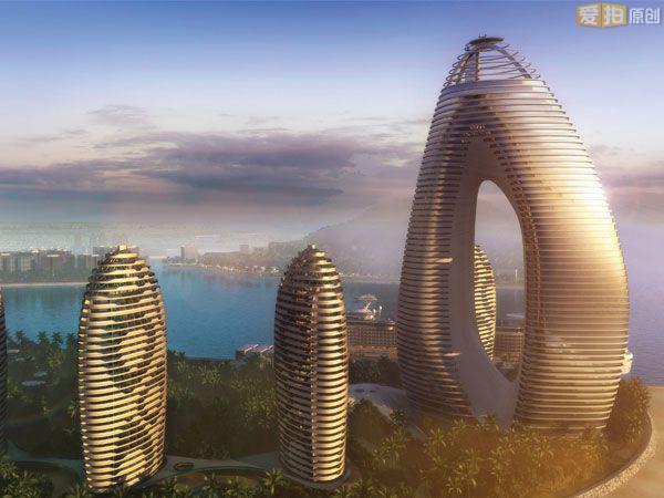 凤凰岛上建有中国唯一的一栋超星级酒店